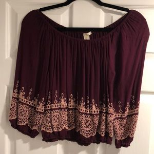 This is an off the shoulder top from Forever 21